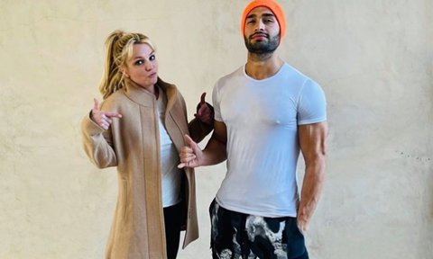 Britney Spears jokes she's recording an album with boyfriend Sam Asghari and Dr. Dre