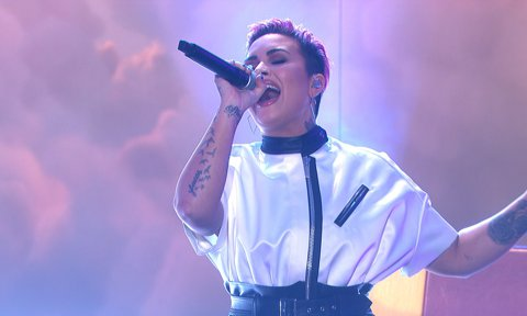 Demi Lovato new cropped hairstyle