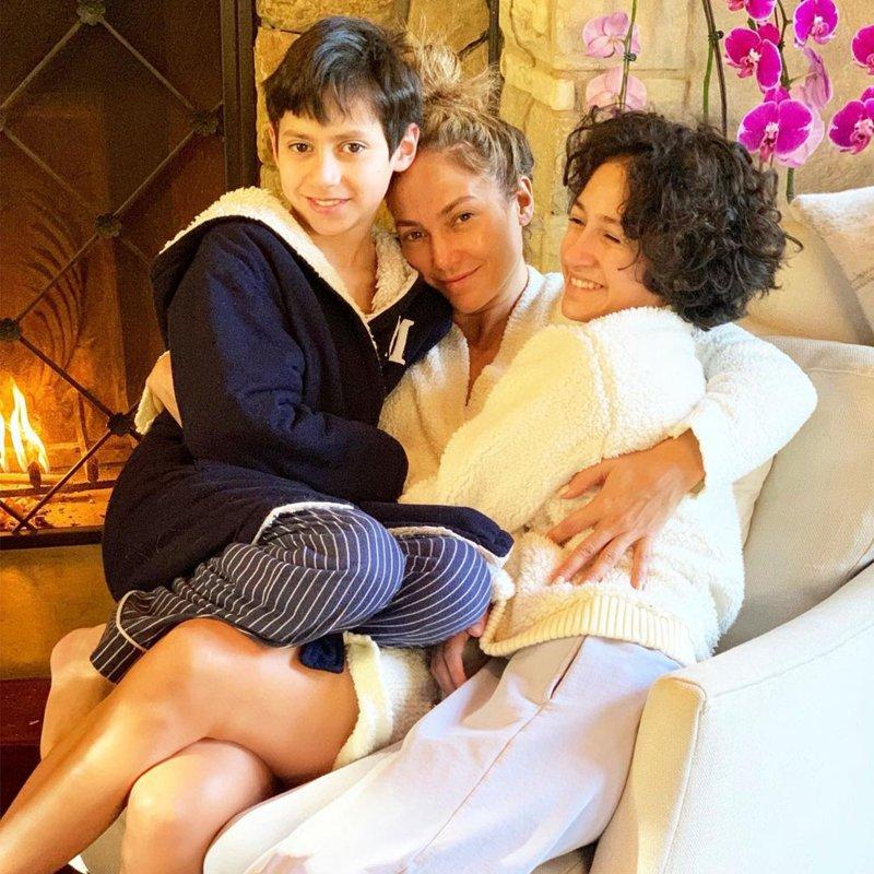 Jennifer Lopez avec ses jumeaux Emma et Max