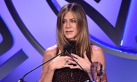Aniston greek jennifer speaking Does Jennifer