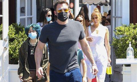 Ben Affleck practica su español con los paparazzi