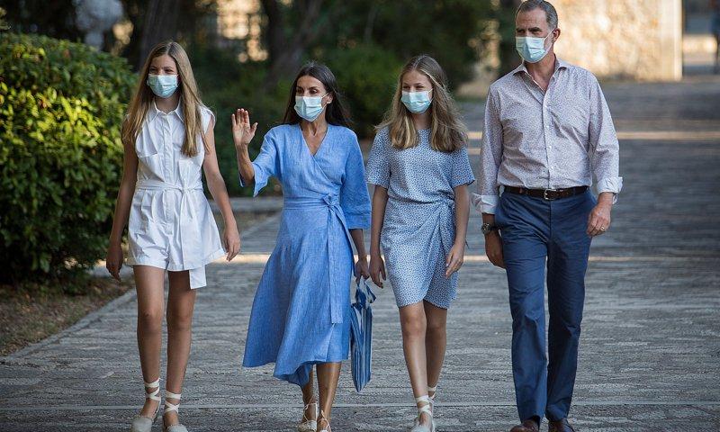 Las princesas españolas aparecieron con sus padres el 4 de agosto en Mallorca