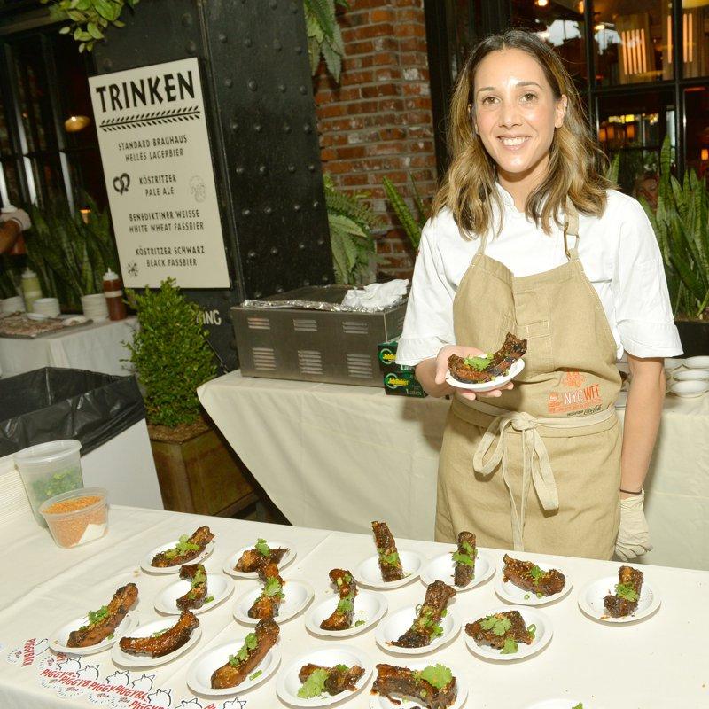 Food Network & Cooking Channel New York City Wine & Food Festival Prezentat de Coca-Cola - Porci și ace Prezentat de InsideHook și găzduit de Robert Irvine