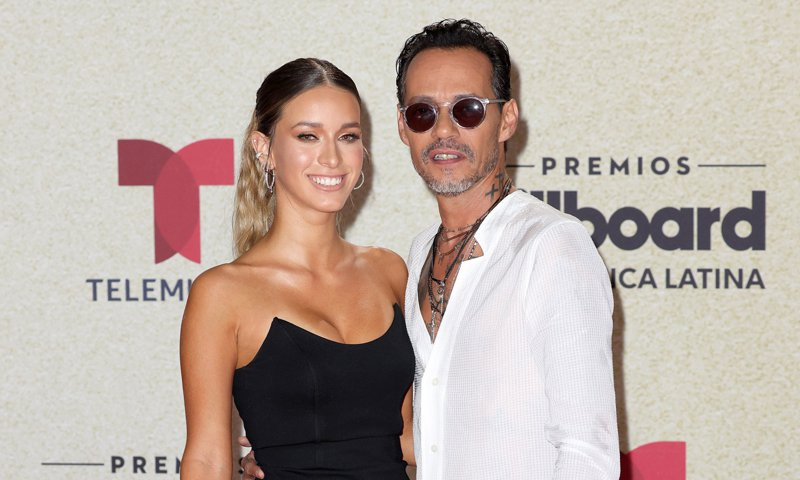 New couple alert! Marc Anthony attends…