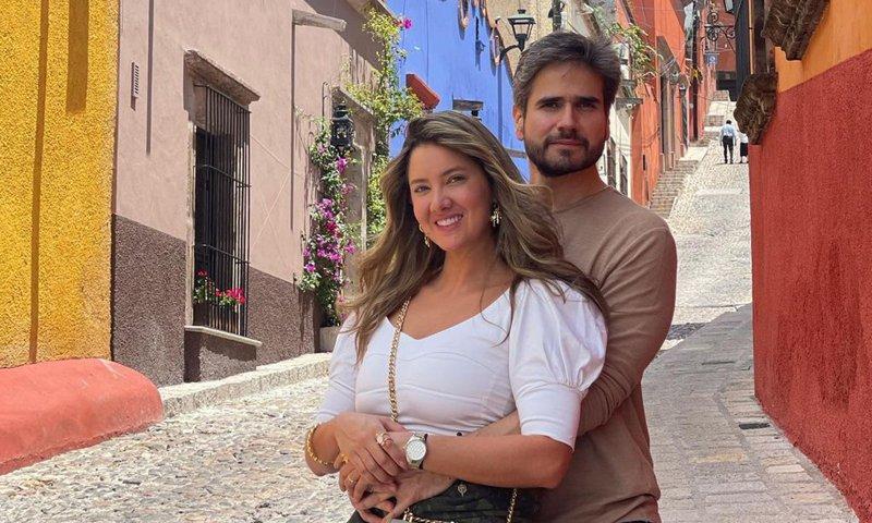 Daniella Álvarez y Daniel Arenas presumen su amor en México